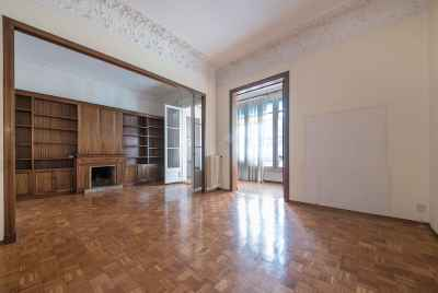 Spacious apartment in Gracia district in Barcelona